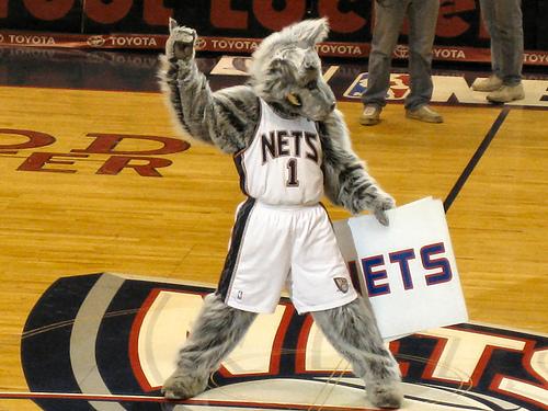 super popular ee992 f23b1 new jersey nets mascot